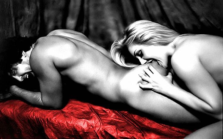 эротический массаж ягодиц и бедер